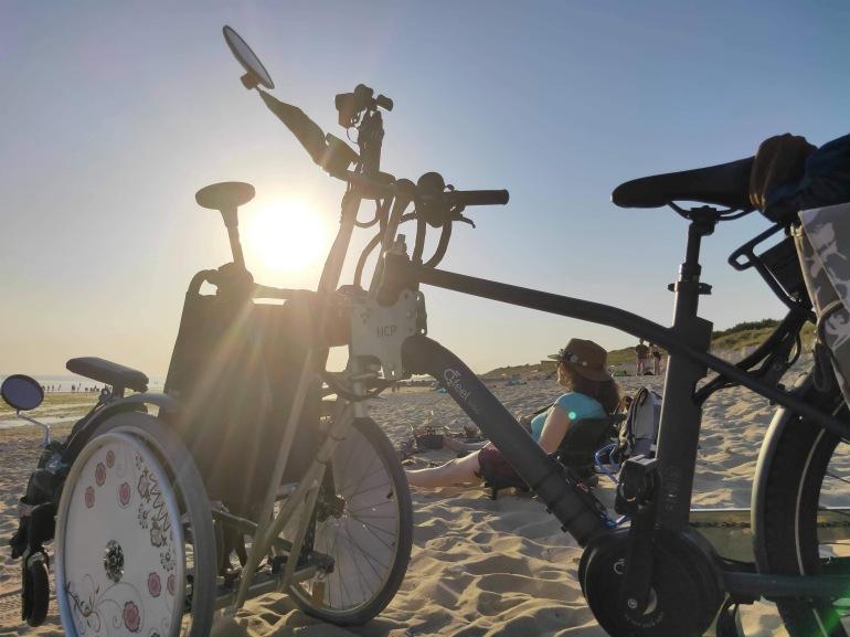 Coucher de soleil sur la plage à l